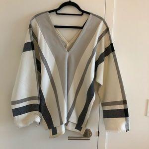 Hatch Tops - Hatch knit V neck top